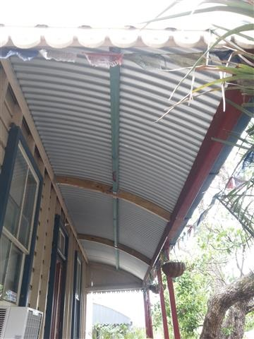 Curved verandah roof - metal reroof